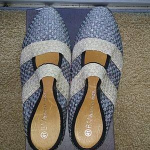 NW box Bernie Mev shoes.